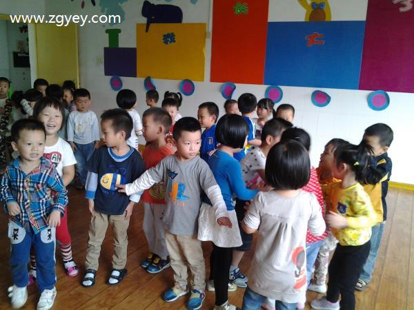 音乐游戏:熊和石头人-龙萍 幼儿园老师教学助手