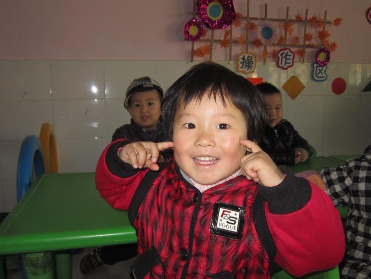 我们可爱的笑脸-新郑迪士尼蒙特梭利幼儿园