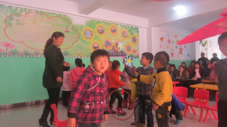 实验幼儿园与十里望中心幼儿园举行结对帮扶及送课进园活动