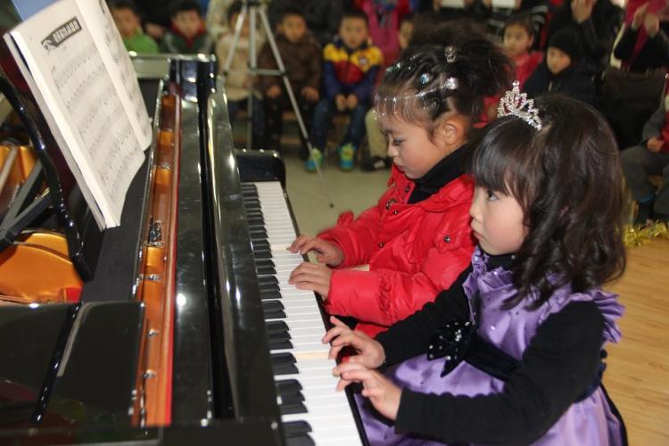 童年四手联钢琴曲谱