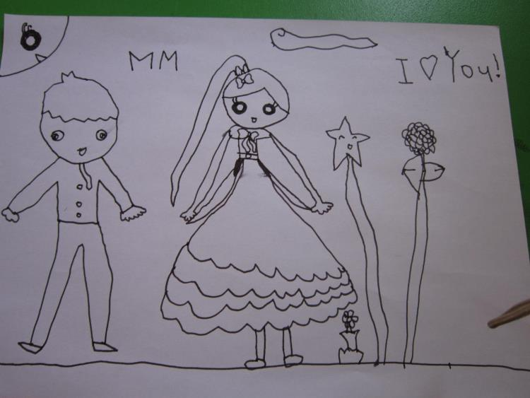 让 孩子们用自己的方式表达对妈妈,奶奶,姥姥的爱.