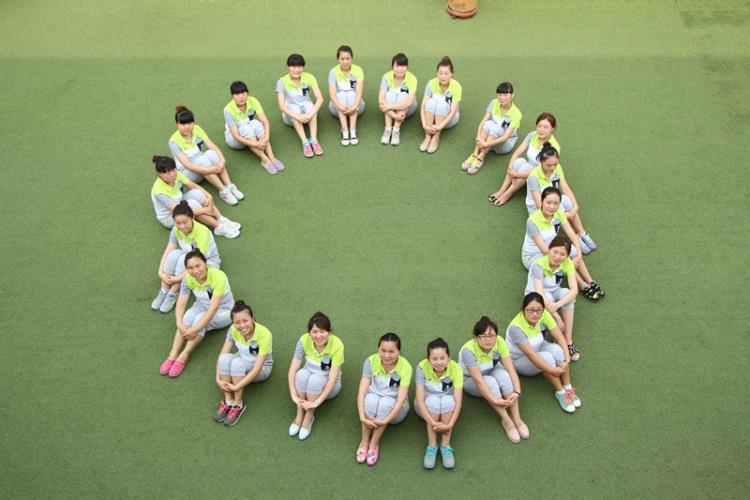 青春飞扬--迪士尼幼儿园教师风采展示