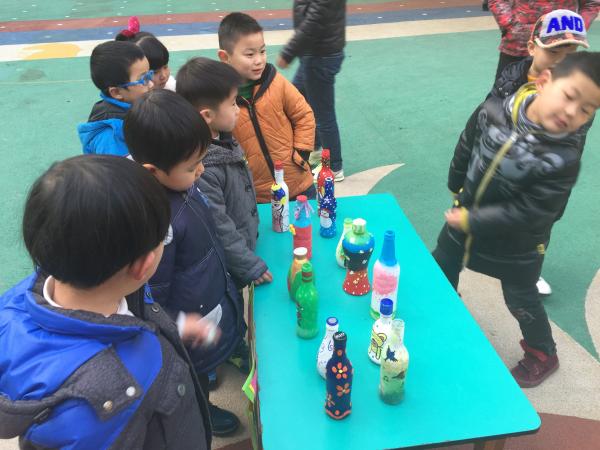 """建华幼儿园举办""""巧思""""手工坊作品展示活动"""