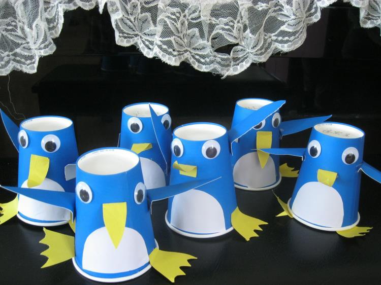 手工制作纸杯企鹅步骤